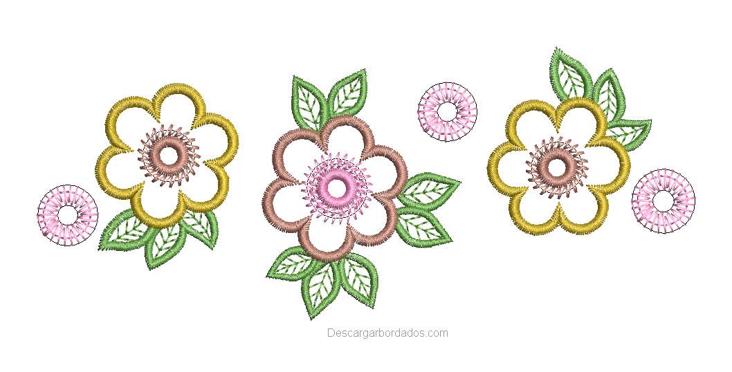 Bonito bordado de tres rosas