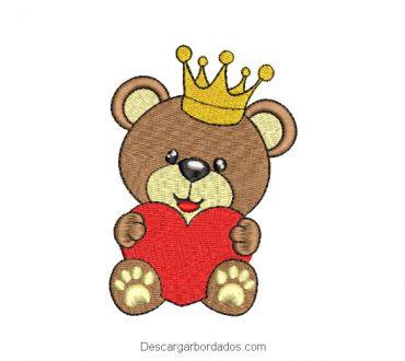 Bordado de oso bebé con corona y corazón