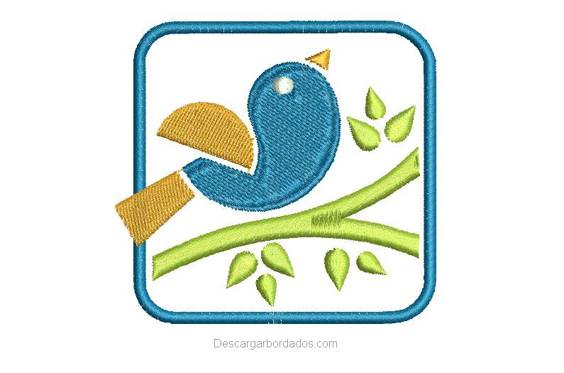 Bordado de paloma con aplicación