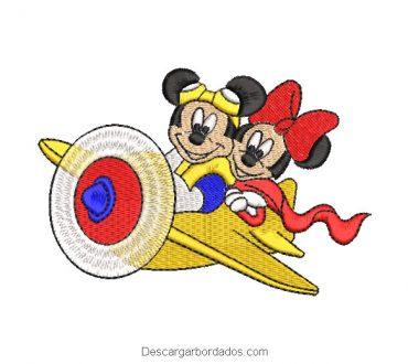 Bordado mickey y minnie mouse en avión