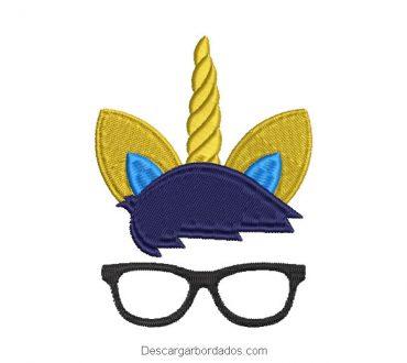 Bordado rostro de unicornio con lentes