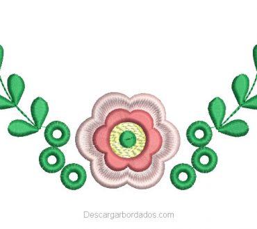 Diseño Bordado de Flores con Hojas Verdes