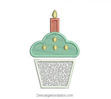 Diseño bordado de torta de cumpleaños