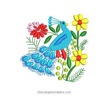 Diseño Bordado Pavo Real con Flores