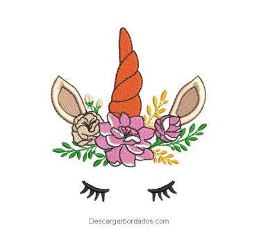 Diseño Bordado de unicornio decorado con rosas y ramas