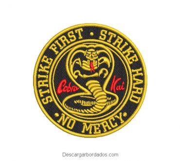 Diseño bordado cobra kai escudo