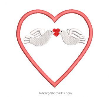 Diseño bordado de corazón para borda