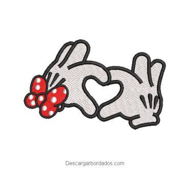 Diseño bordado mano de minnie mouse