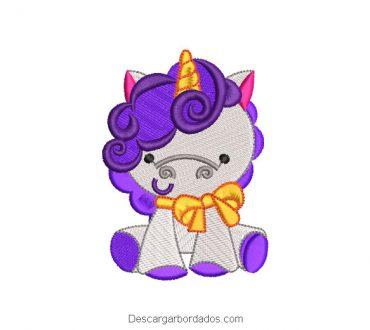 Diseño bordado pony unicornio morado